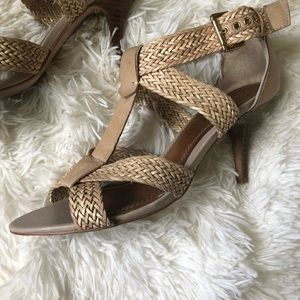 Aldo beige leather Woven strap sandals size 9